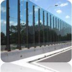 Il plexiglass estruso è molto utilizzato per le barriere antirumore