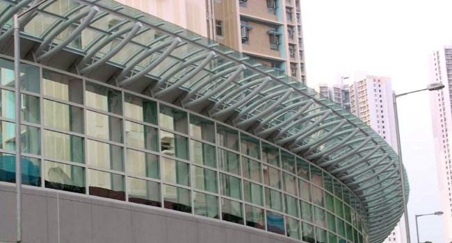 Barriere protettive in plexiglass estruso