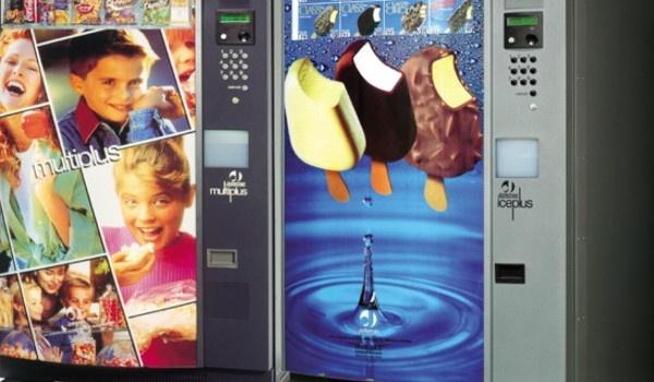 Distributori bevande e snack in pet